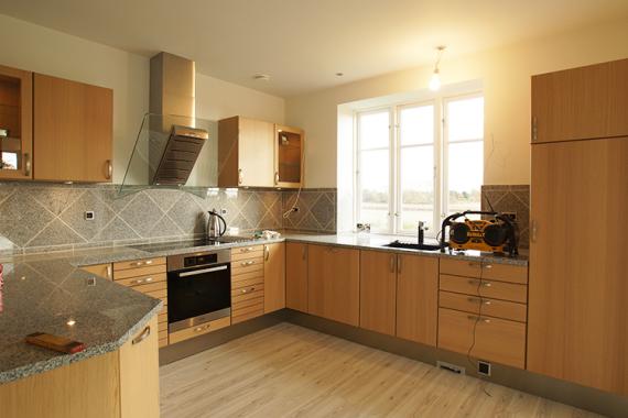 Køkken, nyt køkken, byggeti, tømrer, renovering, tømrermester, stevns, sjælland, miljø